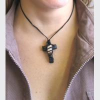 Křížek - polodrahokam(0)
